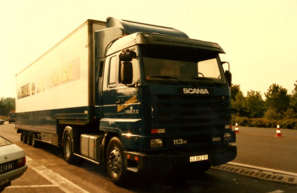 Transport camion semi-remorque